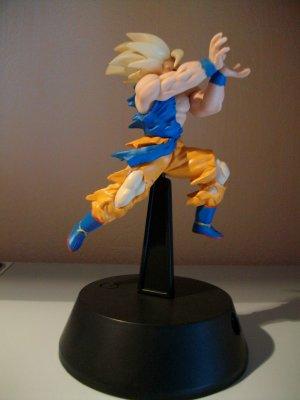 Goku Effectuant Le Kamehameha Contre Freezer Tout Sur Les