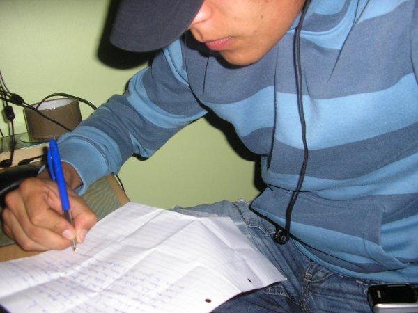 Gonzalo Mehdi Prepare L'Album.