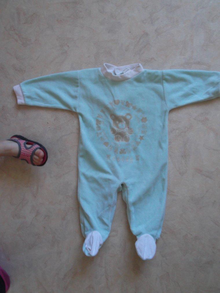 pyjama  taille 6-9 mois