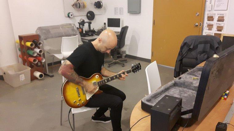 Préparation d'une nouvelle guitare pour Jeff en vue de l'enregistrement du nouvel album d'SP en 2018