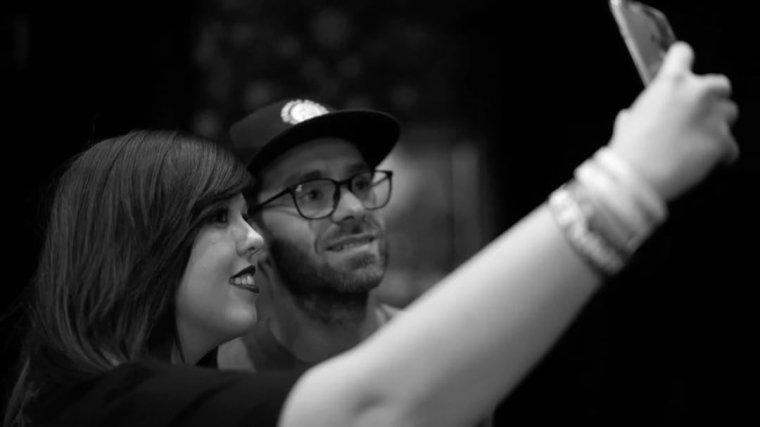 Vidéo: Simple Plan résume son début de tournée