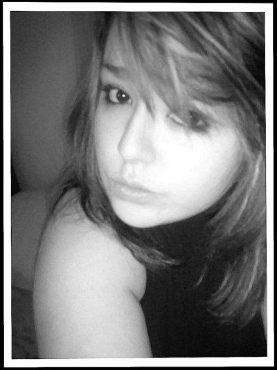 Elsa ~ 16Ans ~ In Love (♥) ~ Angers ~ Facebook & Msn (Dmand)