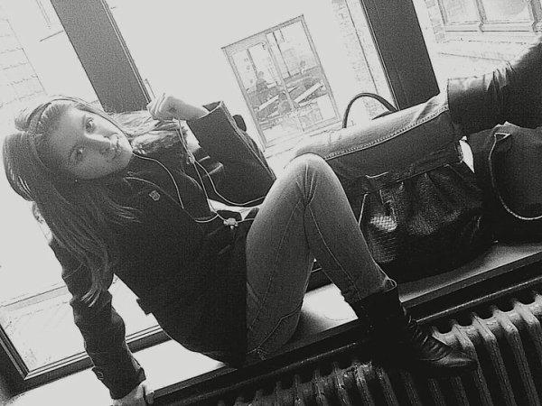 ★★#Mℓℓ℮  ℓαυяα  Pяoducтioη «G℮иr℮ J'suis uи℮ Foℓℓ℮ &.Dαиs Mα Foℓi℮ Ri℮и и℮ M'αffoℓ℮. » `▐▬▌O 0 T - B A B Y .` »  Skyblog Officiel © ♥ Tu Peux Continuer Tes Rumeur ; ♫ Moin J`℮n fαit & Plus Sα Pαrl℮ ! Pr℮uv℮ qu℮ l'on n℮ jug℮ qu℮ Sur l℮s R℮fl℮ts .. Trop D℮ Jαloux , Sα M'fαit Déliré , L℮s voirs Tαiller , Bαv℮r Sur Moi Jtαvou℮ qu℮ Sα M℮ fαit Kiff℮i . D℮vαnt T℮s Pot℮s tu T℮ Lα Pèt℮ , Mαis Vi℮ns Lα Qu℮ Jt℮ Pr℮nn℮ ℮n Têt℮ A Têt℮ ! Jpαri℮ Qu℮ tu F℮rαs Moin Lα Mαlin℮ , L℮s M℮ufs Comm℮ Toi , J℮ l'Ai Connαis si Bi℮n .. ♫