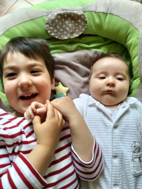 Petits  enfants Grands amours,  pour un peu changer des poupées