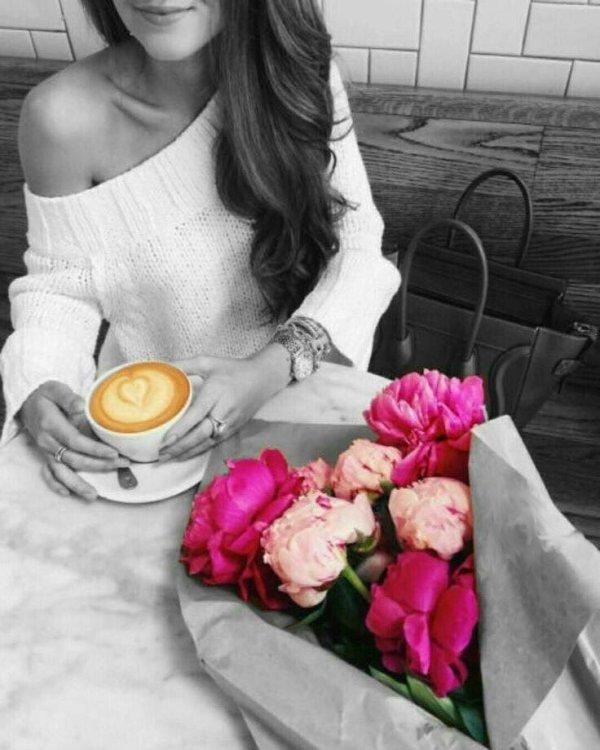 Un p'tit café ? quoique 2 là ce matin ce serait bien... Très bonne semaine à tous :)