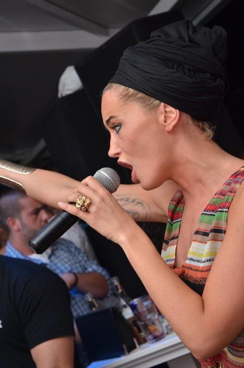 Dafina Zeqiri - Koncert në RONI PUB ( FERIZAJ ) !