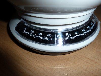 Mon poids a augmenté, je pèse à ce jour 725g :)