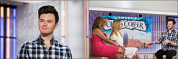 * 12/07/17 : Chris Colfer était invité sur le plateau de l'émission « The Today Show » - se trouvant à New York. Un peu plus tard, Chris a été vue quittant les studios de l'émission dans les rues de New York. Chris est très beau. Je suis fan de sa tenue. Un Top.  *