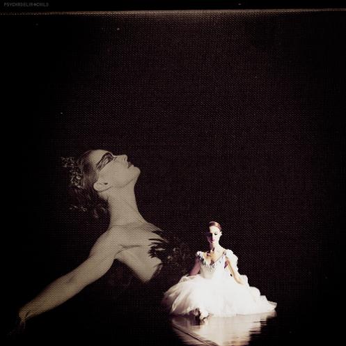 Black Swan - this movie is just WOAW. Beautiful,twisted, dark, artistic... Magnifique performance de Natalie Portman, très bien accompagnée par Mila Kunis et Vincent Cassel! A voir et revoir!