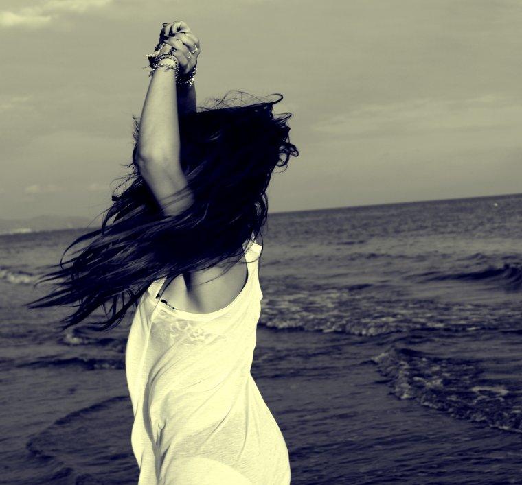 """""""L'amour n'est pas l'amour s'il fane lorsqu'il se trouve que son objet s'éloigne quand la vie devient dure, quand les choses changent le vrai amour reste inchangé. W. Shakespeare"""