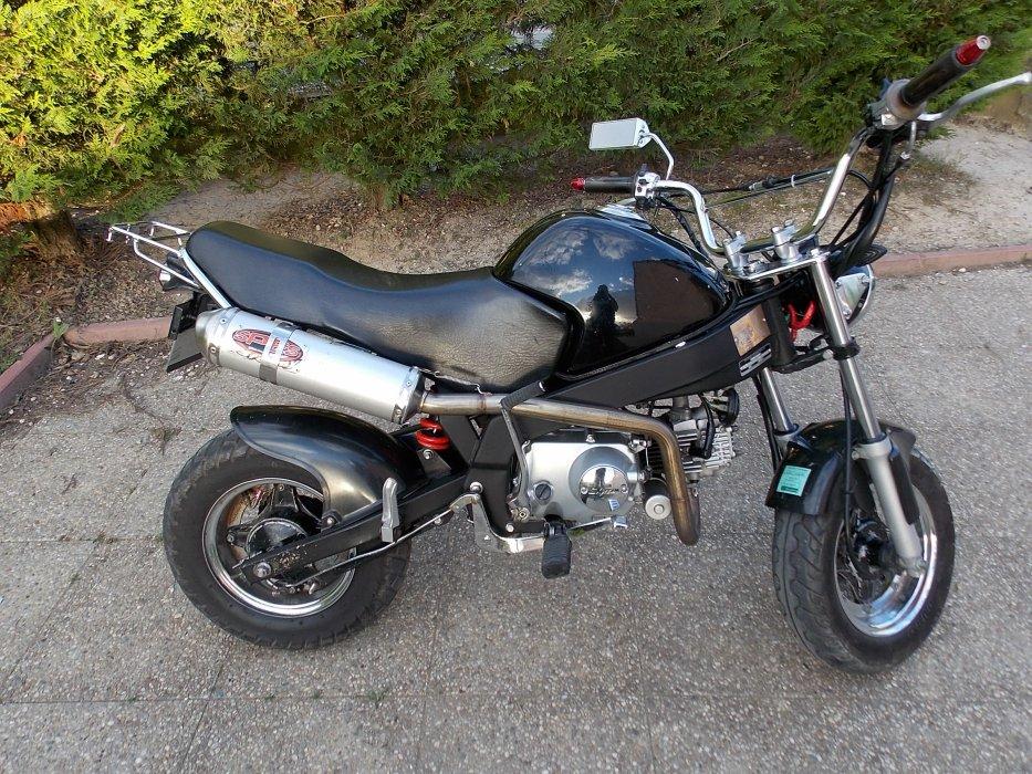 http://pocketdirtbike51.skyrock.com/.