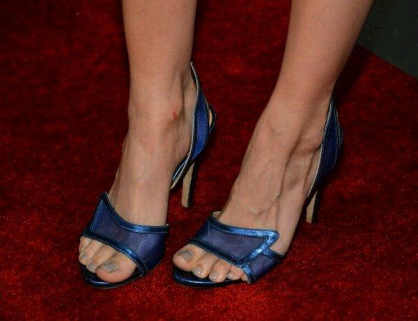 Les pieds de Debby Ryan