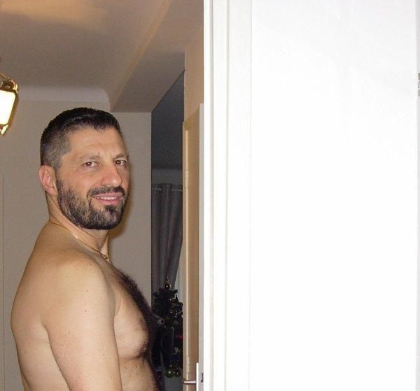 italien06cannes  fête ses 43 ans demain, pense à lui offrir un cadeau.Aujourd'hui à 08:20