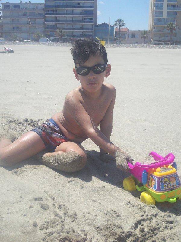 pour jouet a la plage