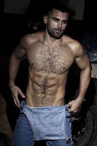 Homme Viril Gay 19