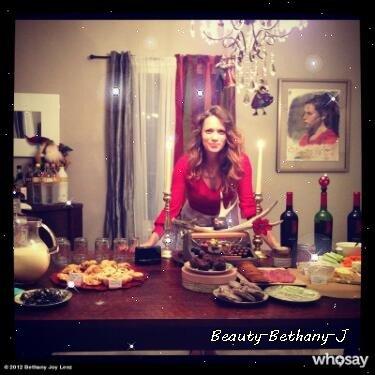 ● Bethany sur twitter et instagram vous a souhaiter un joyeux noel