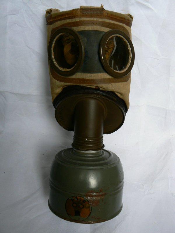 Masques à gaz français.