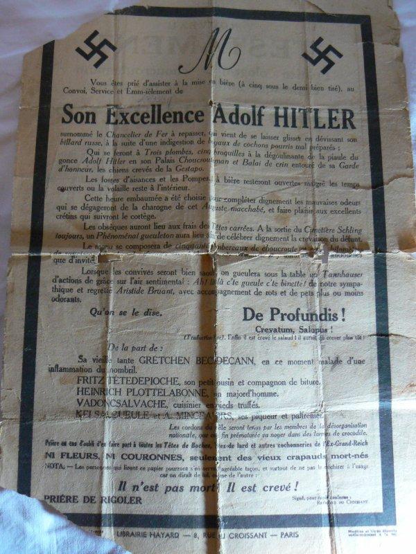Affiches annonçant  DeGaulle au pouvoir et le décès de hitler.