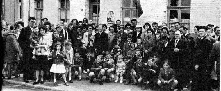 Art 1660 : Fête des mères le 26 mai 1963 à Mazingarbe