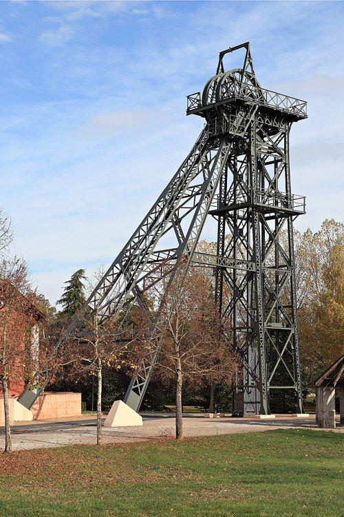 Art 1733: Chevalet du puits Ste Marie à Blaye - les-mines