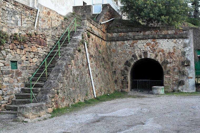 Art 1744 : Entrée du tunnel St Joseph