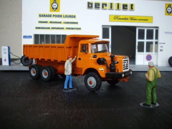 BERLIET GBH 280 6X6 benne enrochement