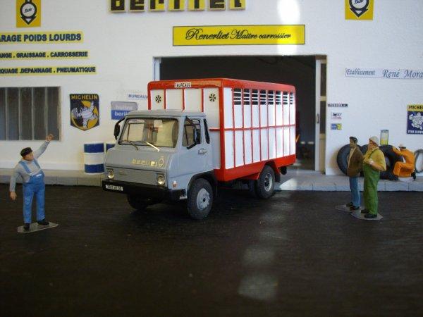 BERLIET 380 K bétaillère