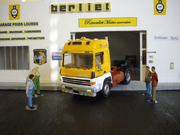 BERLIET TR 350 cabine Centaure transports BERLIET