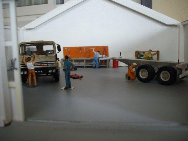 BERLIET TB 231 et semi porte container