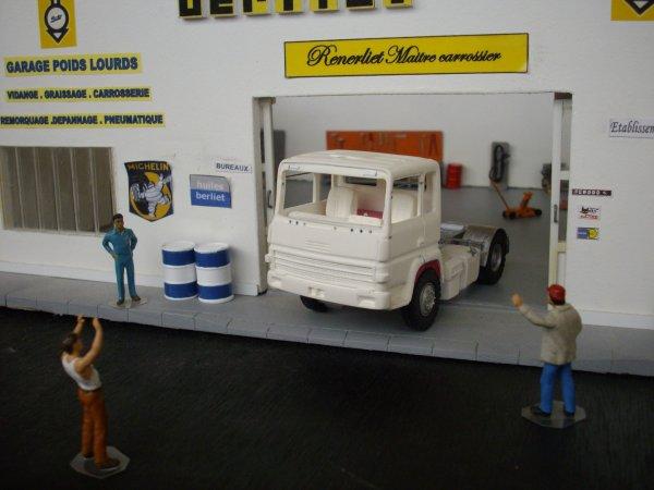 BERLIET TR 350 et semi citerne transport de gaz