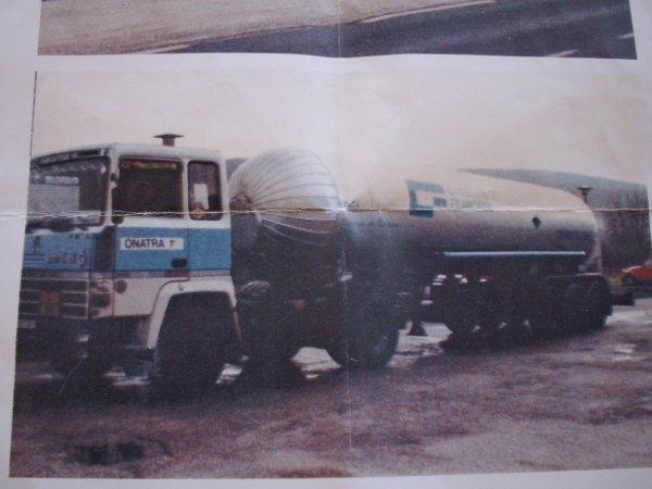 berliet TR 350 et semi citerne pour le gaz liquifié