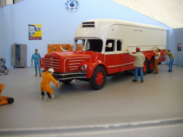 berliet GBM 15 6X4 fourgon isotherme