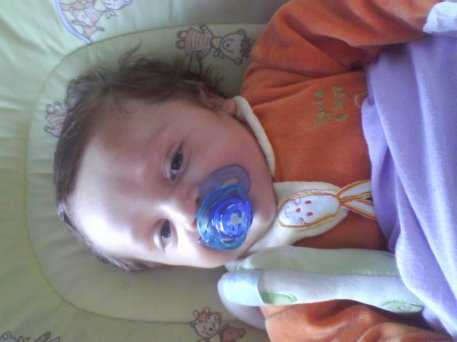 bientot 1an et oui bebe grandi trop vite(l)(l)(l)