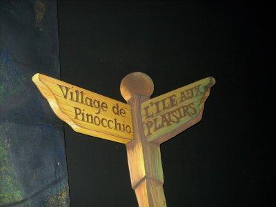 Disneyland Park 6 janvier 2012 : Fantasyland : - Les voyages de Pinocchio