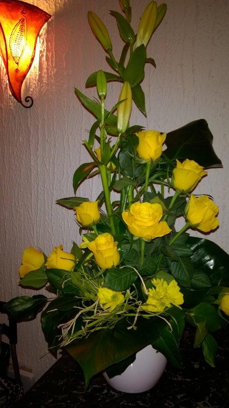 Mon bouquet du mois qui contraste avec le paysage hivernal