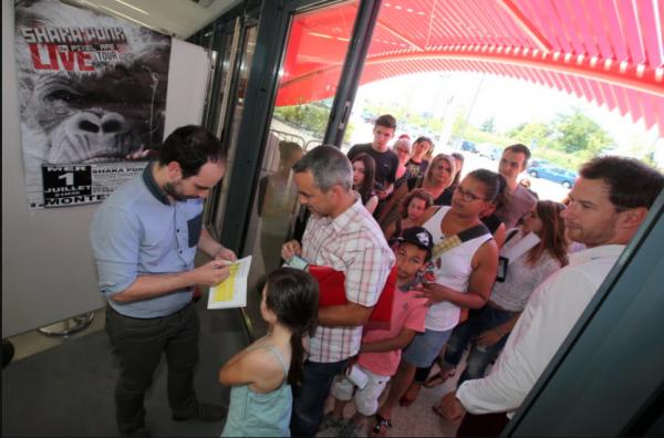 Shy'm rencontre ses fans à Montélimar !