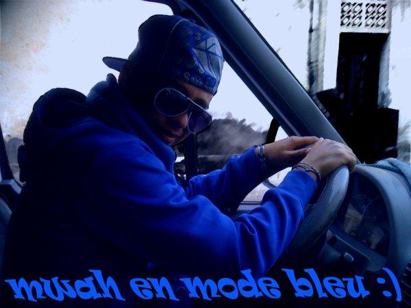 moi en mode bleuuuuuuuuuuuuuuuu ;)