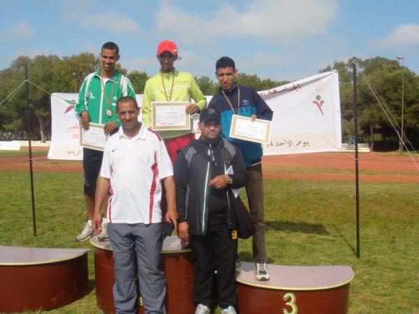 Championnats athlétisme handisport de maroc 2012-2013 je fai 2éme a 800m (^^)