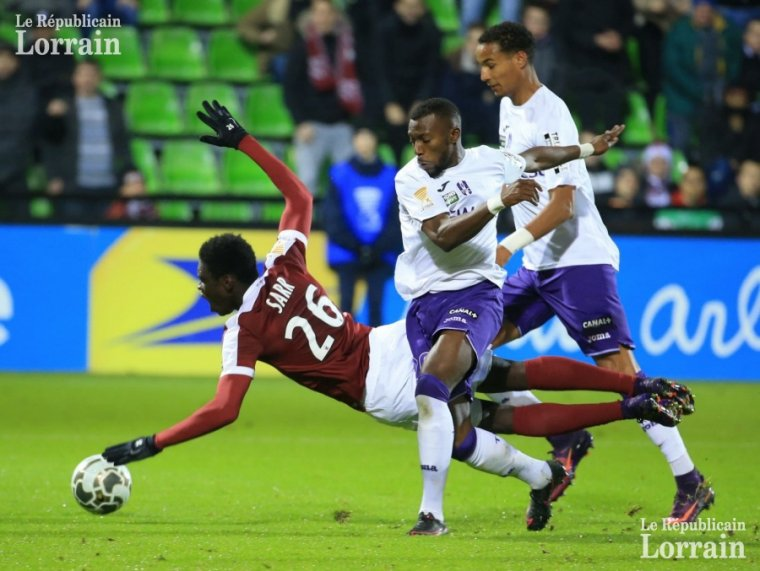 Maillot porté par Jessy Pi lors de Metz vs TFC en Coupe de la Ligue