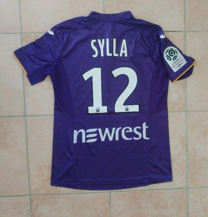 Maillot préparé pour Issiaga Sylla pour TFC vs Nîmes