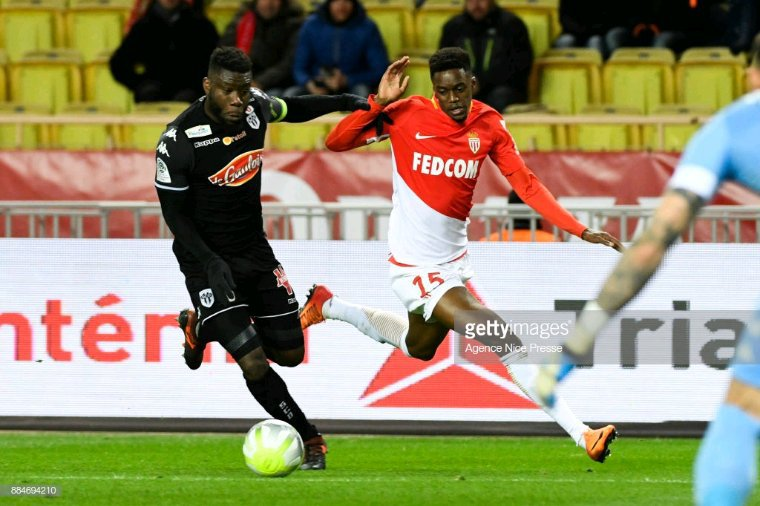 Maillot porté par Ismaël Traoré avec le SCO lors de la saison 2017-2018