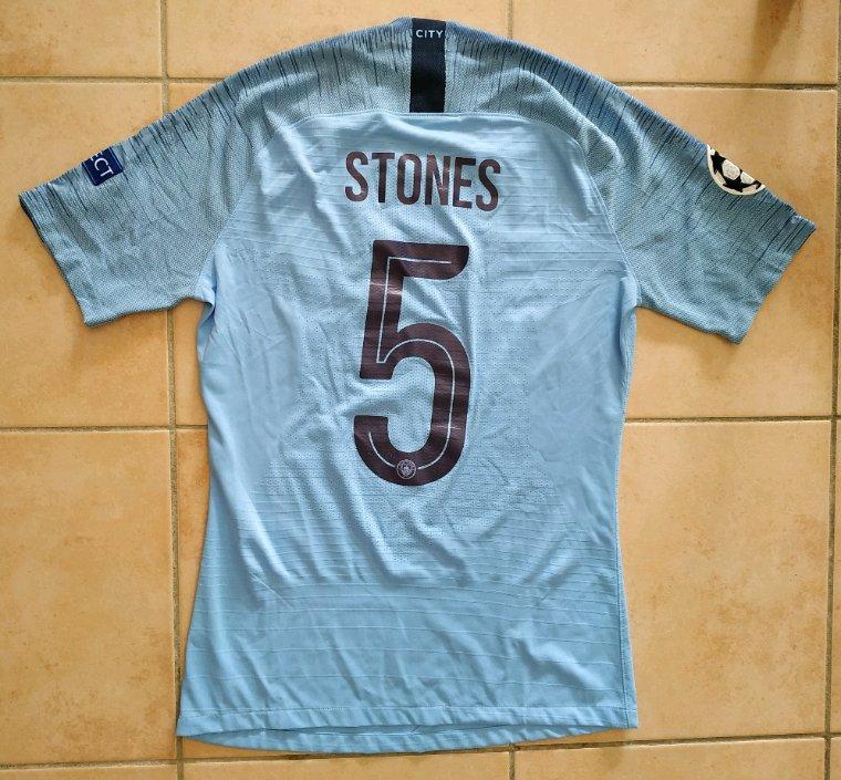 Maillot porté par John Stones en Ligue des Champions avec Manchester City