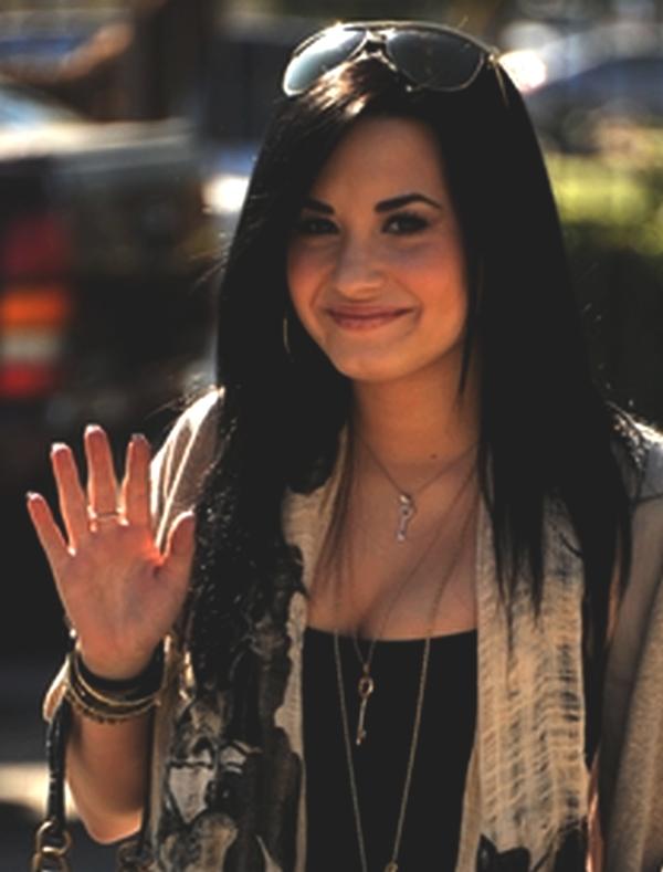 Demi Lovato se remet sur les rails ! (De la gloire, pas d'la coke. Ouf)