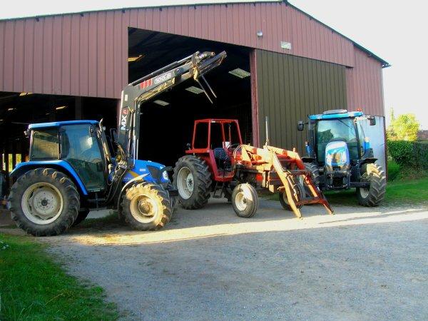 Batiment et tracteurs ( de agri-fiatou )