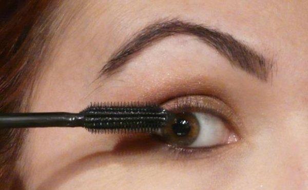Astuce Make-Up  n°1 : Comment maquilée des yeux couleur noisette ?