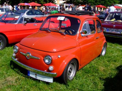recherche une ancienne fiat 500 l d italian cars. Black Bedroom Furniture Sets. Home Design Ideas