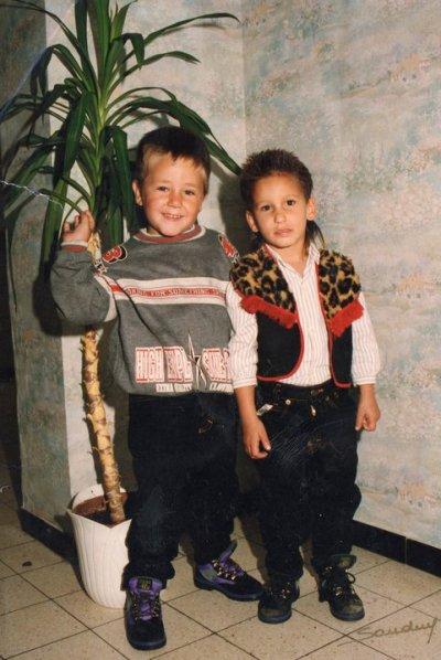 Voici Mon fils mickael et mon fieule jonathan quand il été plus petit :)