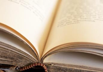 Une heure de lecture est le souverain remède contre les dégoûts de la vie ..    [Montesquieu]