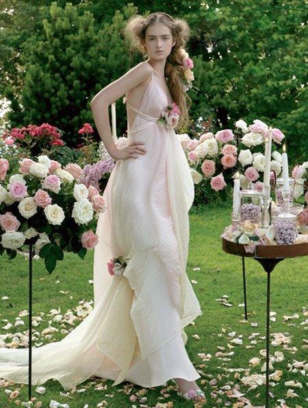 Bordeaux Metallic Taffeta / L'Amour Satin A-line V-neckline Wedding Dress