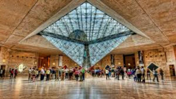 Attaque au Carrousel du Louvre